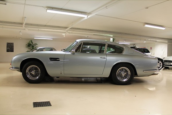 Interested bidders phoned from across Europe and the final price was a sales record.